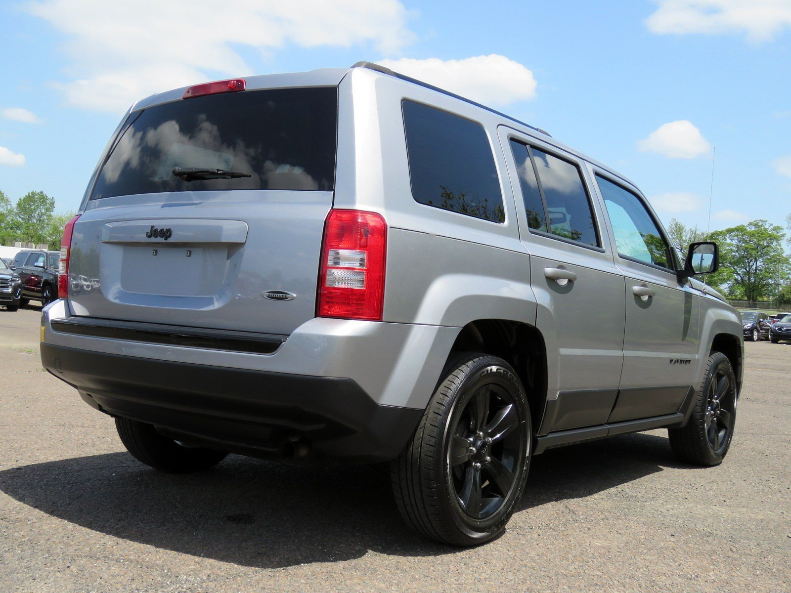 Pre-Owned 2015 Jeep Patriot Altitude Edition