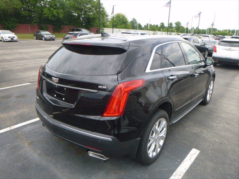 Pre-Owned 2018 Cadillac XT5 Luxury AWD